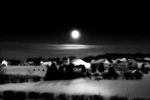 December Moon in B+W by teknoman427