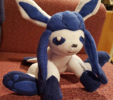 Shiny Glaceon by melpk