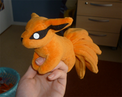 Mini magnet plush:Kyuubi 2more by goiku