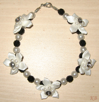 B+W Pearl Bracelet by DiscoPotato