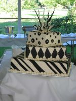 Black and White cake by Lunautilus