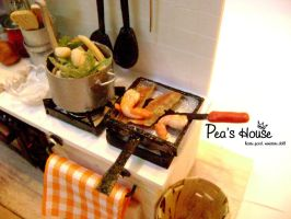 miniature kitchen: Pan and pot by lovely301090