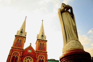Saigon Notre-Dame Basilica by Piece-by-peace