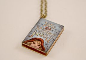 Snow White Book Novel Necklace by AshsMysticEmporium