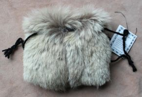 Vintage white wolf fur pouch by lupagreenwolf