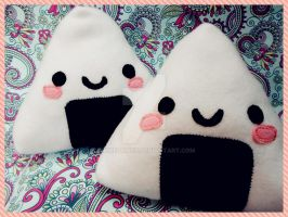 ONIGIRI PLUSH by akirepower