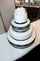 Wedding cake with laces by Verusca