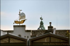 Ships on the roofs by brijome