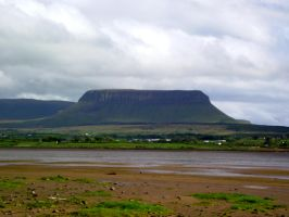 Benbulben from Streedagh by D1scipl31974