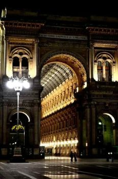 Galleria Vittorio Emanuele II (out) by gysah