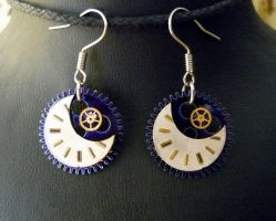 Steampunk moon earrings by lollollol2