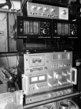 Radio components by LionelC