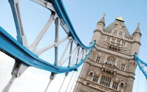 tower bridge by Steeeffiii