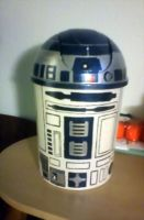 R2D2 is ready to party by Lonaaya