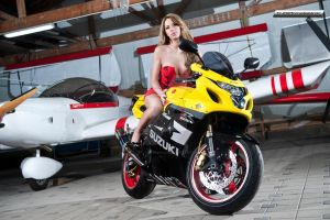 GSXR 750 and Elena M 4 by MariusDobrescu