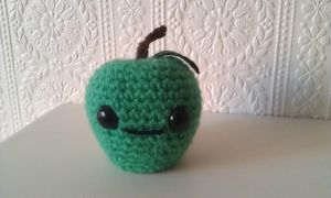 Amigurumi Green Apple by CraftyGeeks