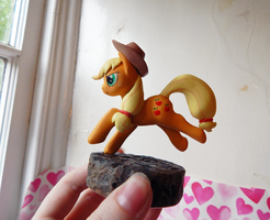 Applejack sculpt by mychemforever
