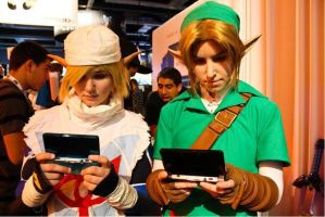 Link and Sheik playing games by Rora-at-Dawn