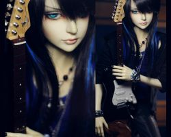 Black Strat by dollstars