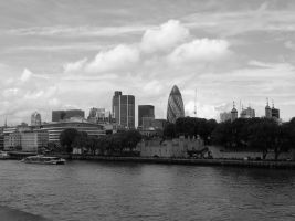 London Black And White by gilrean-vardamir