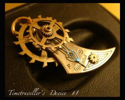 Steampunk Pendant: Timetraveller's Device 1 a by azazel-is-burning