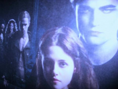 Bella and Edward Blue by cantdecode
