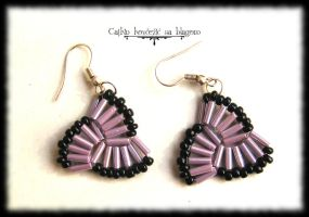Lilac Triquetra earrings by Cayca