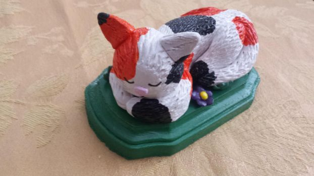 Sleeping Calico Kitten Sculpture(For Sale!) by erosofhearts