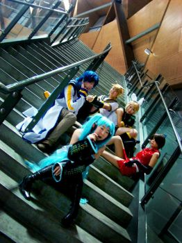 Vocaloid: Of Fame And Fortune by silverharmony