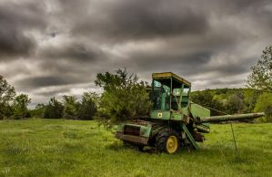 Old Deere by FabulaPhoto