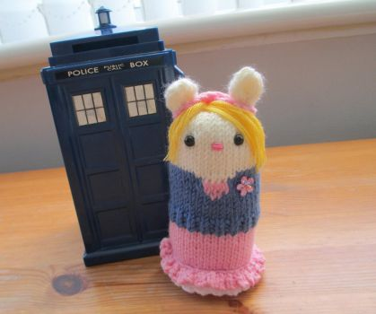 Doctor Who: Rose Tyler 'The Idiot's Lantern' by fourthimbles