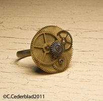 Steampunk ring with cogs by skuggsida