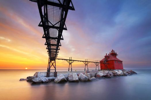 Sturgeon Bay Canal North Pierhead Light by tfavretto
