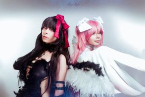 Akuma Homura and Kami Madoka by MaryMagika