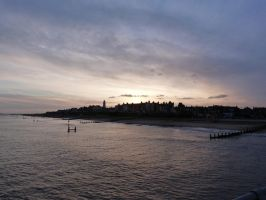 night falls over Southwold by peevee01