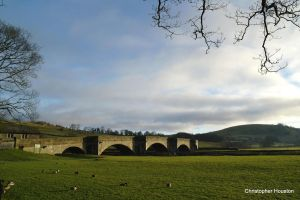 Burnsall bridge by squareprismish