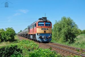 628 326 with freight near Gyorszabadhegy by morpheus880223