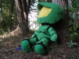 Master Chief Plushie Chillaxin by mariosonic