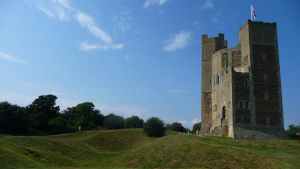 Orford Castle by aberlioness