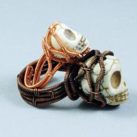 Mini Skull Ring (with Mama Skull Ring) by sylva