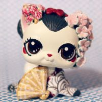 Geisha inspired LPS custom by pia-chu