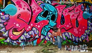 Graffiti artist at Castle Hill by 4ELEVEN-IMAGES