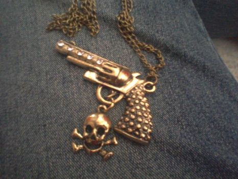 Gun and Skull Necklace by prisc8328