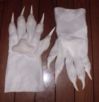 [For sale]  White handpaws by Menevoreth