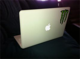 My Awesome Macbook by thegamerpr0