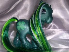 Lucky Charm by MoLily20