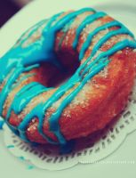 MEDIOCRE CRONUT by illusionality