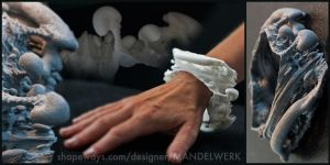 Slice of Spine - 3D printed 3D Fractal Bracelet by MANDELWERK