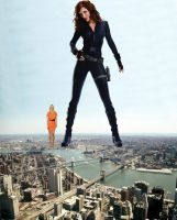Giga Scarlett Johansson and giantess Gwyneth by ilikemercs