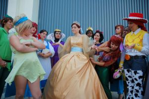 ANIME EXPO '10: What is she doing here? by Tehodda